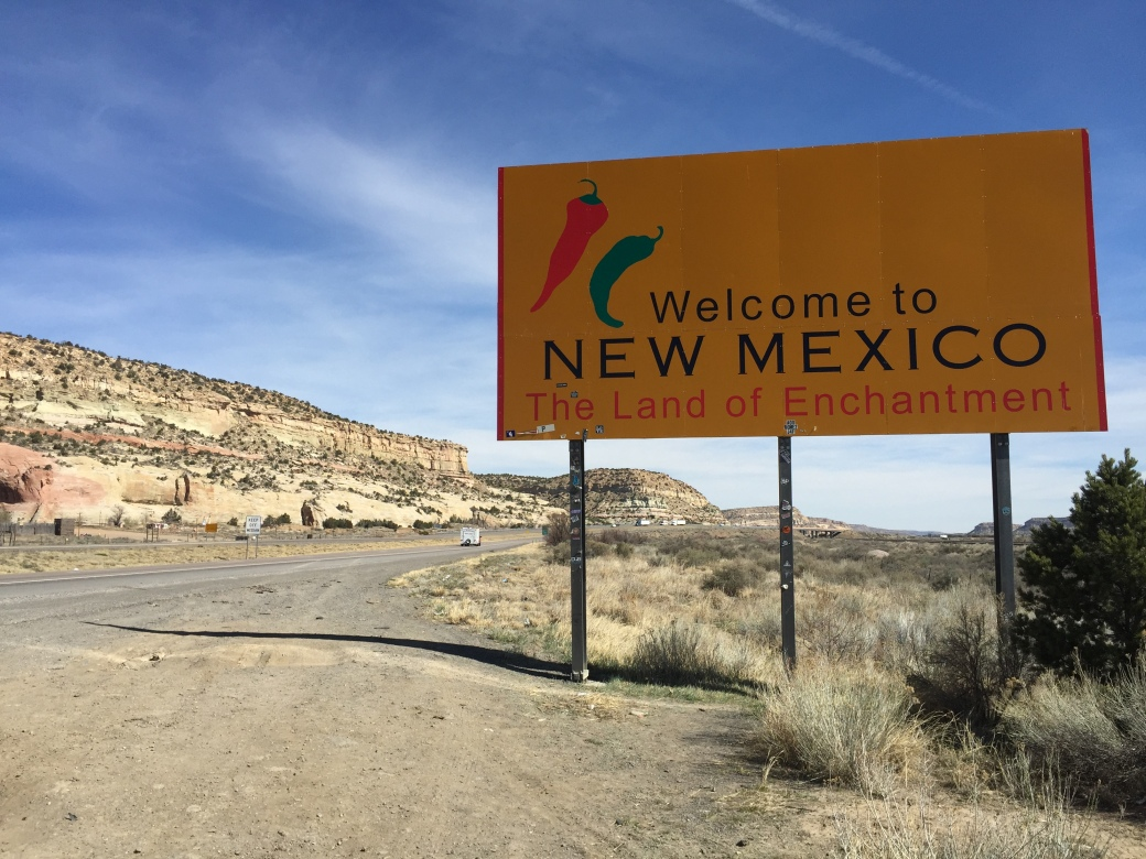 2016-03-21_10_04_58_Welcome_to_New_Mexico_sign_along_eastbound_Interstate_40_entering_McKinley_County,_New_Mexico_from_Apache_County,_Arizona