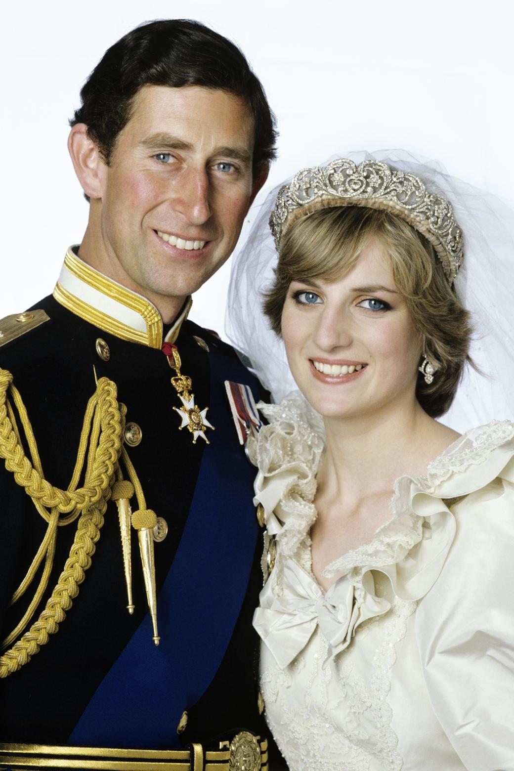1438193156-hbz-princess-diana-prince-charles-wedding-77413370