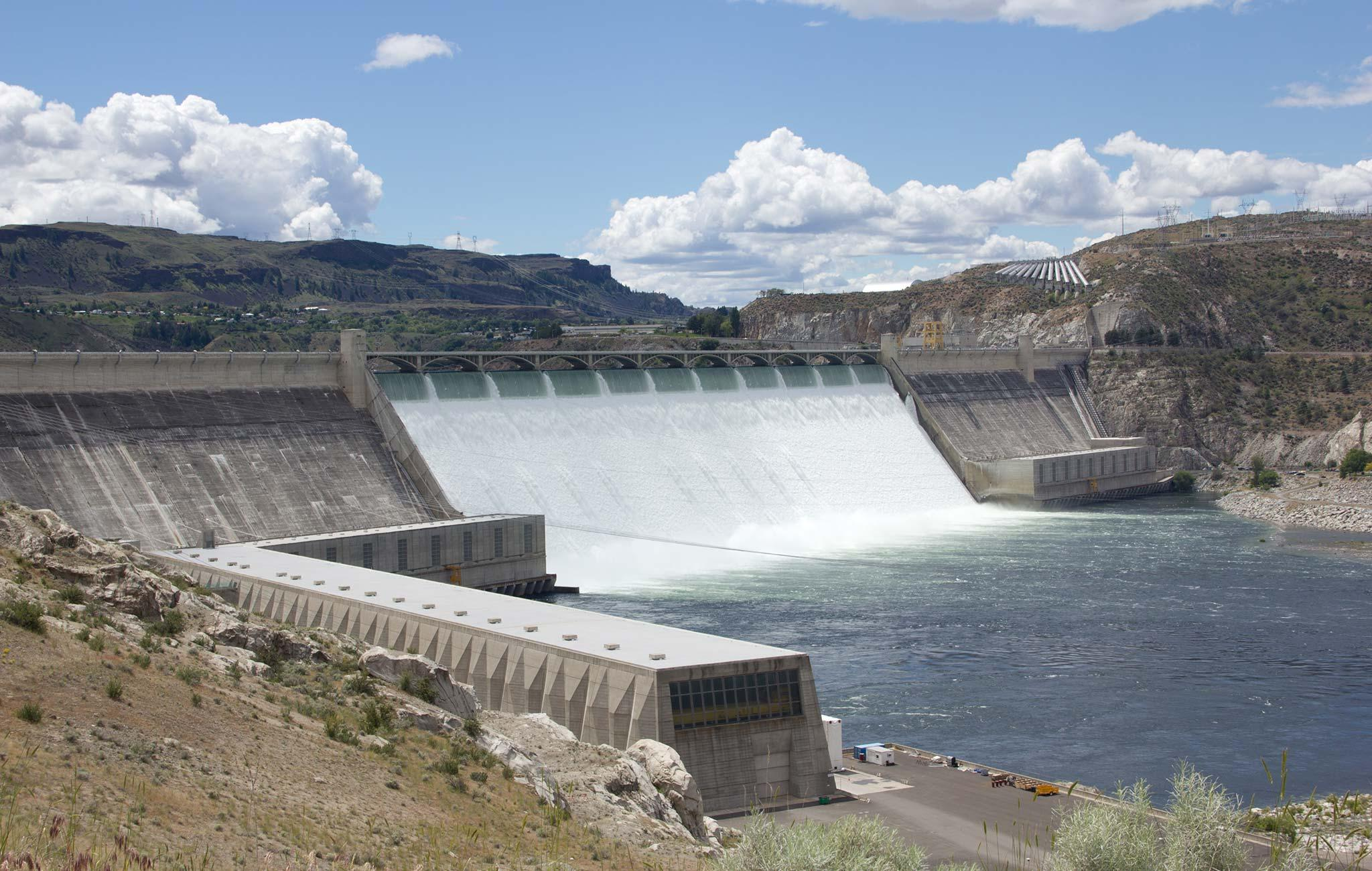 553899-Grand-Coulee-Dam